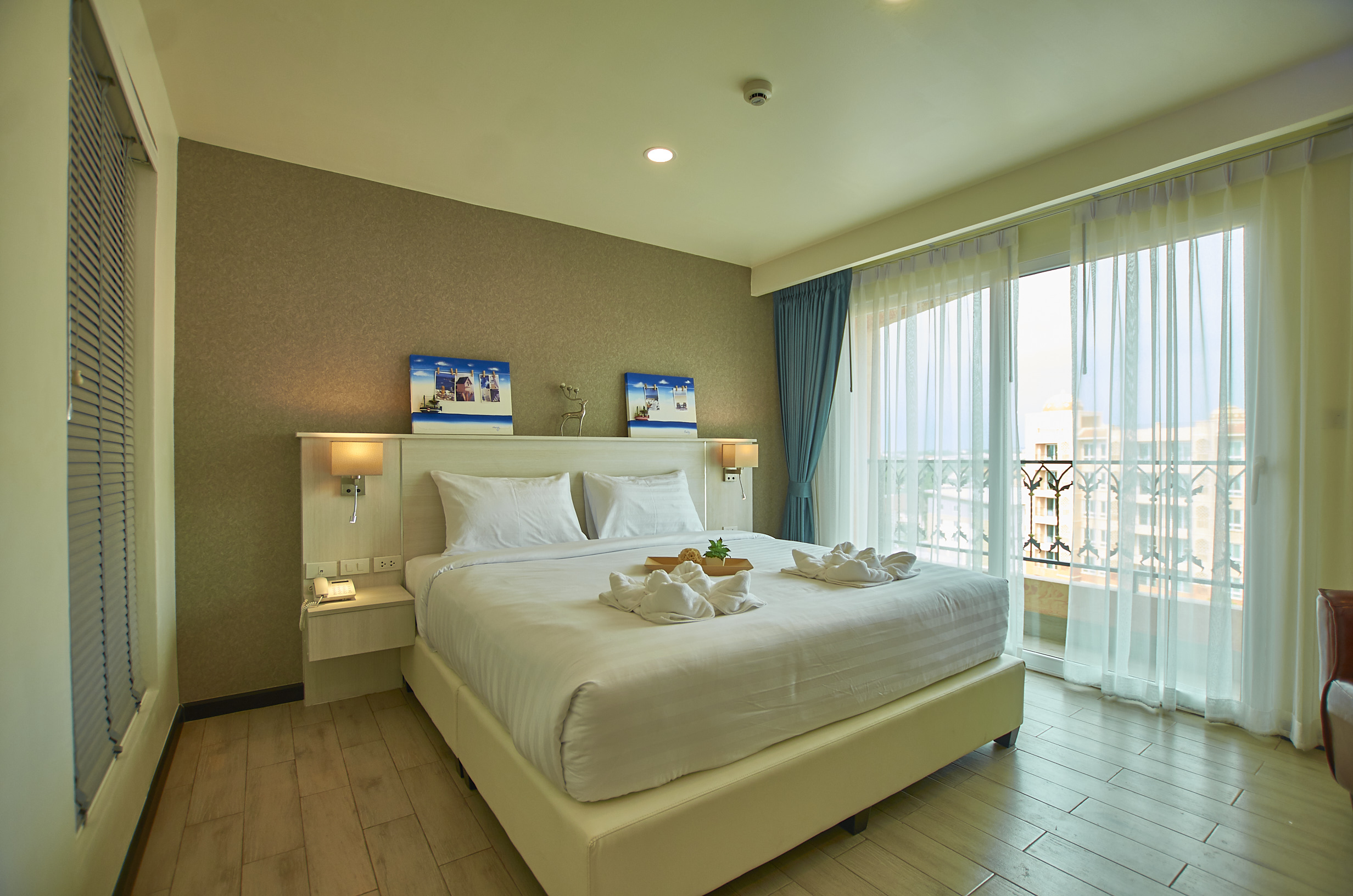 Club-King-Room-sonia-residence-pattaya