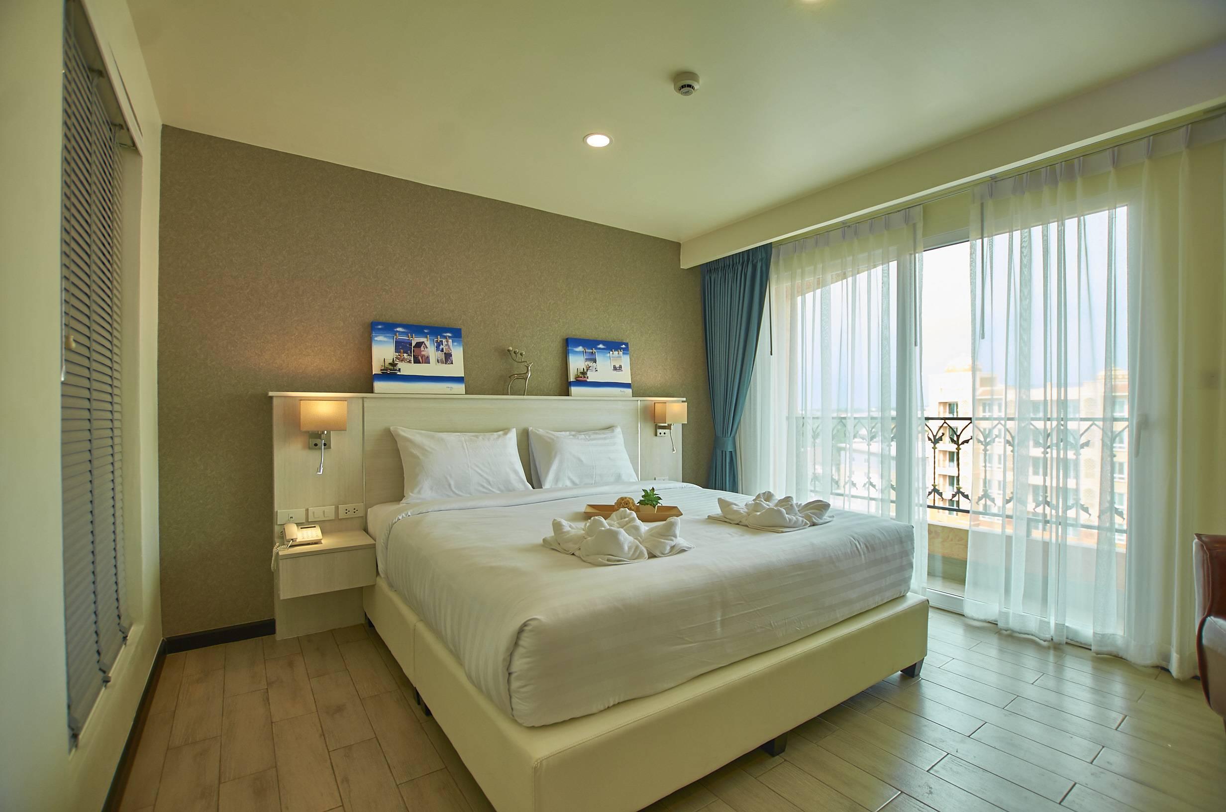 club-king-room-sonia-residence-pattaya